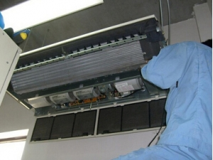 空调维修 (1)
